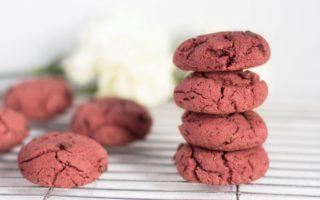 Biscuits véganes aux pépites de chocolat et betterave