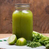 7 raisons de boire des jus verts au quotidien + une recette